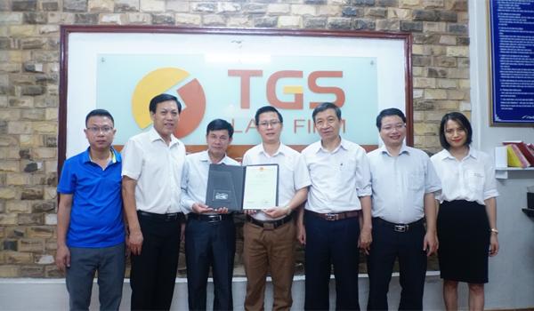 Đại diện TGS Law và UBND Huyện Tuyên Hóa, Tỉnh Quảng Bình